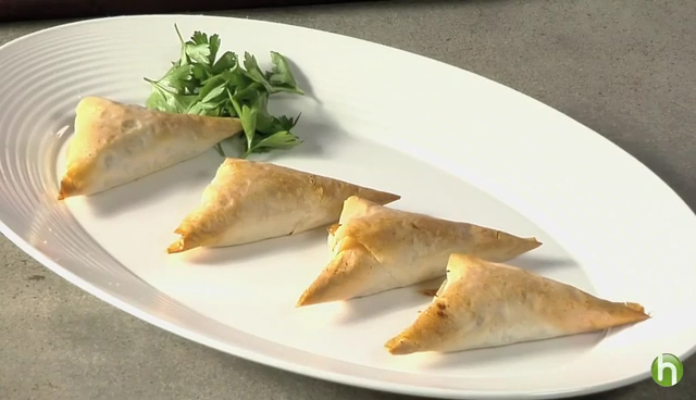 How to Make Cheese and Onion Pastry Appetizers
