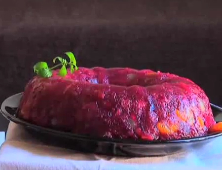 How to Make a Cranberry Gelatin Mold