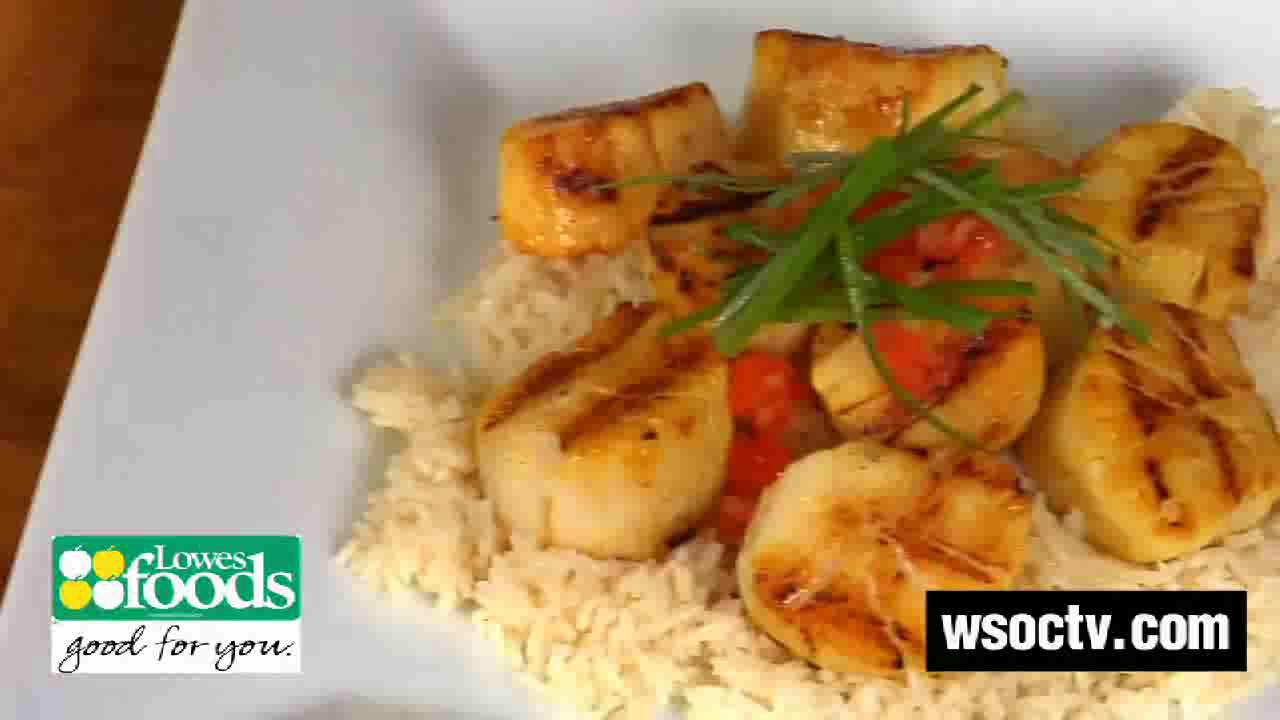 Curry Marinated Scallops with White Rice