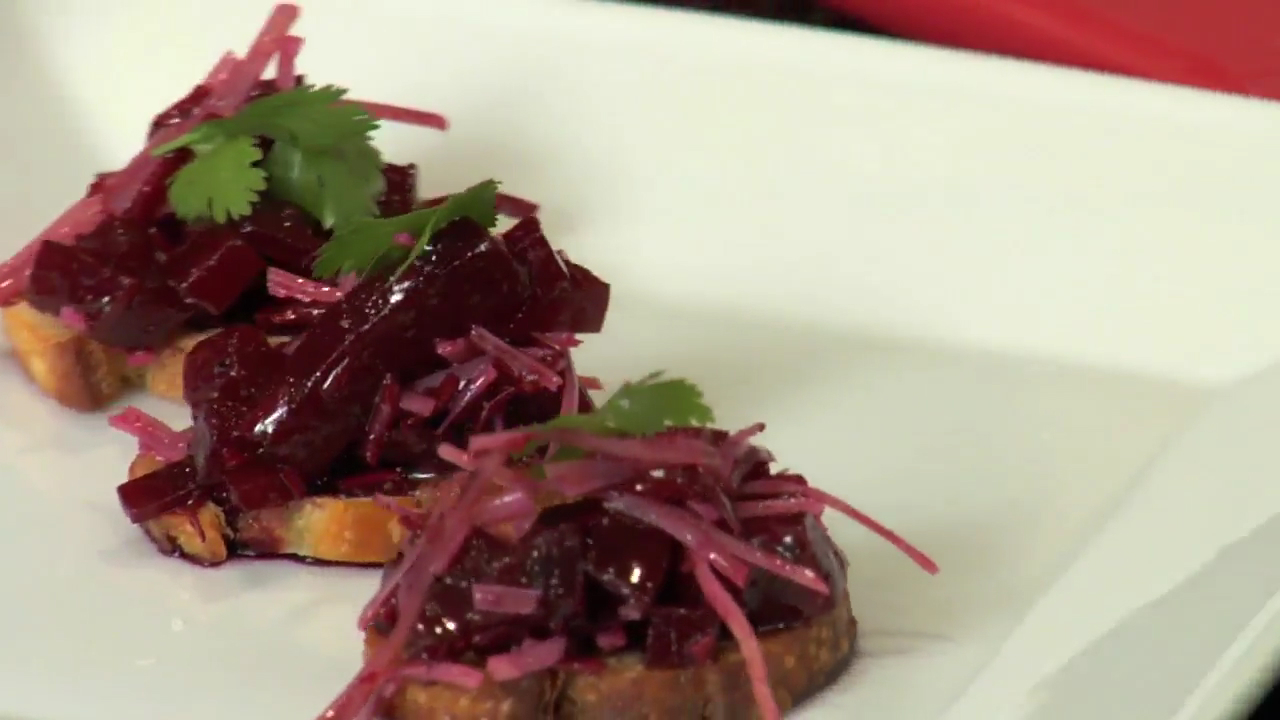 How to Make Roasted Beet Bruschetta for Thanksgiving