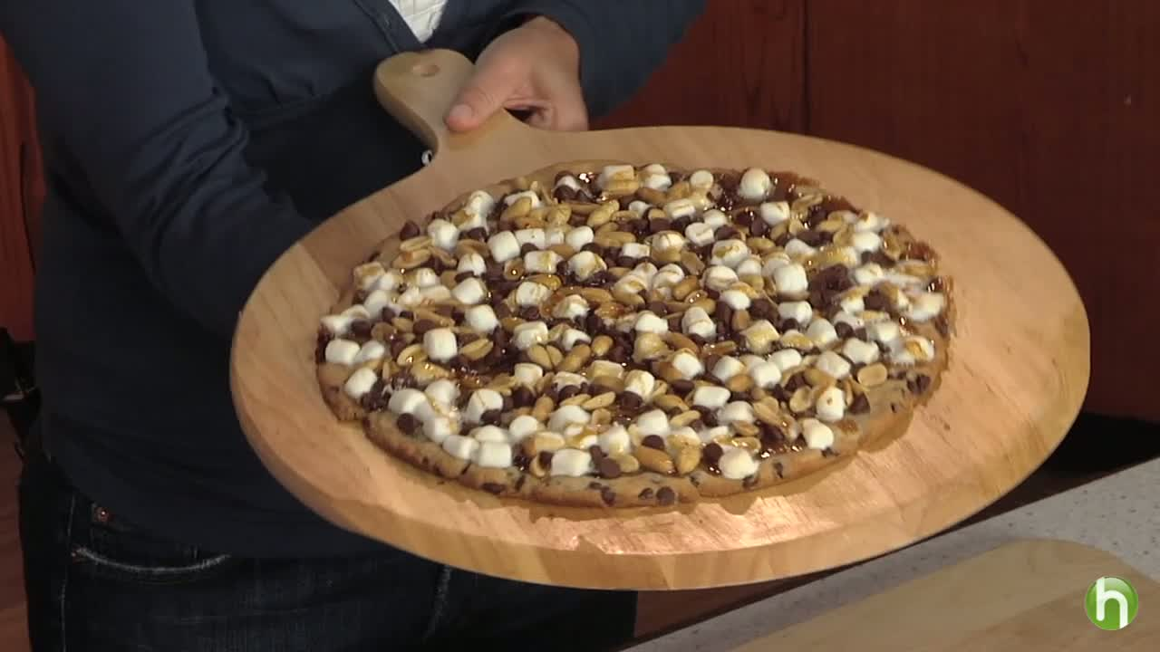 How to Make Rocky Road Cookie Pizza