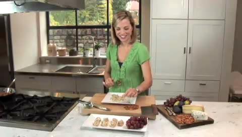Almond Crusted Chevre and Grape Truffles Recipe