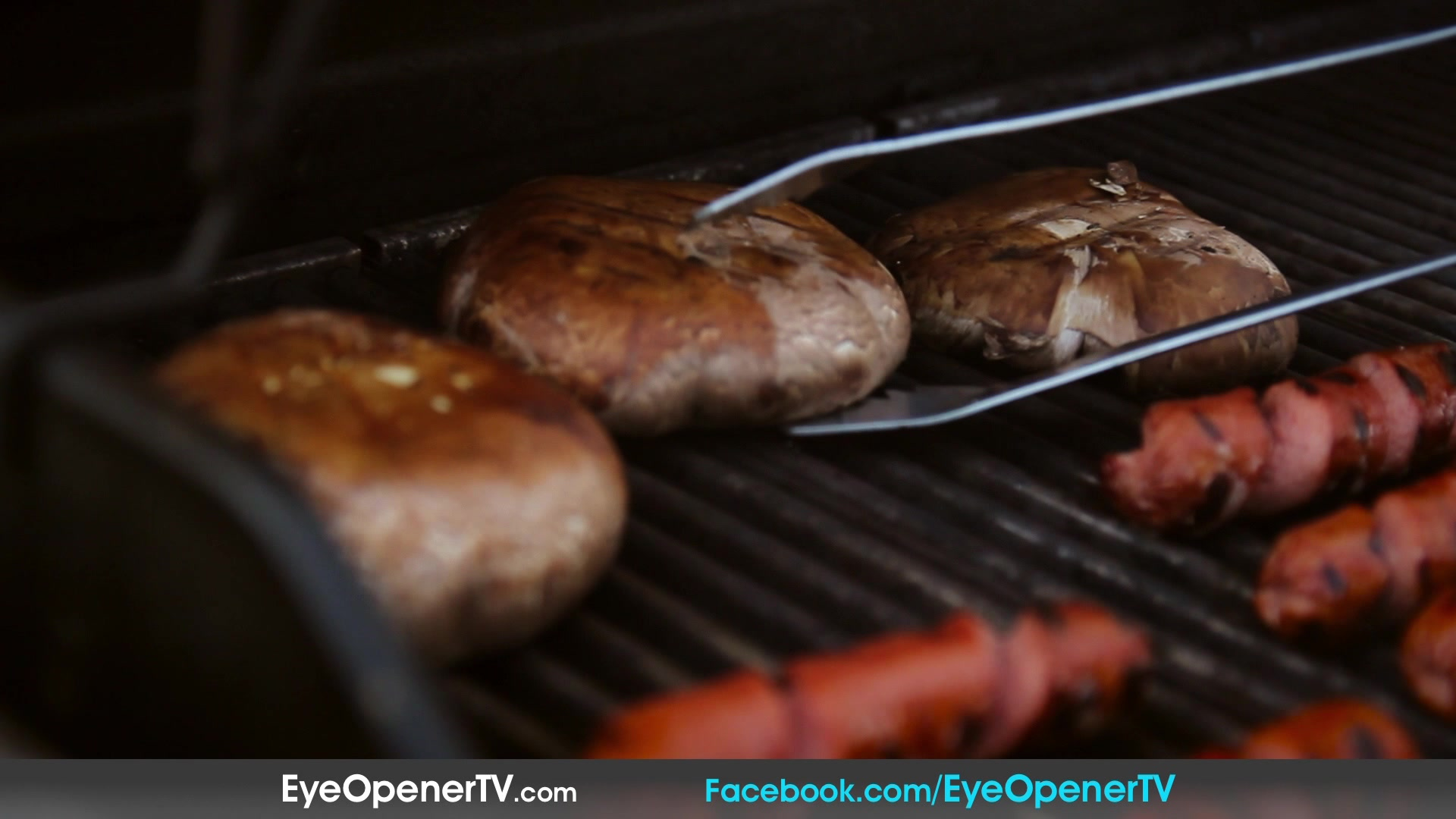 Try Stuffed Cheeseburgers & Spiral Hot Dogs For Your 4th Of July BBQ