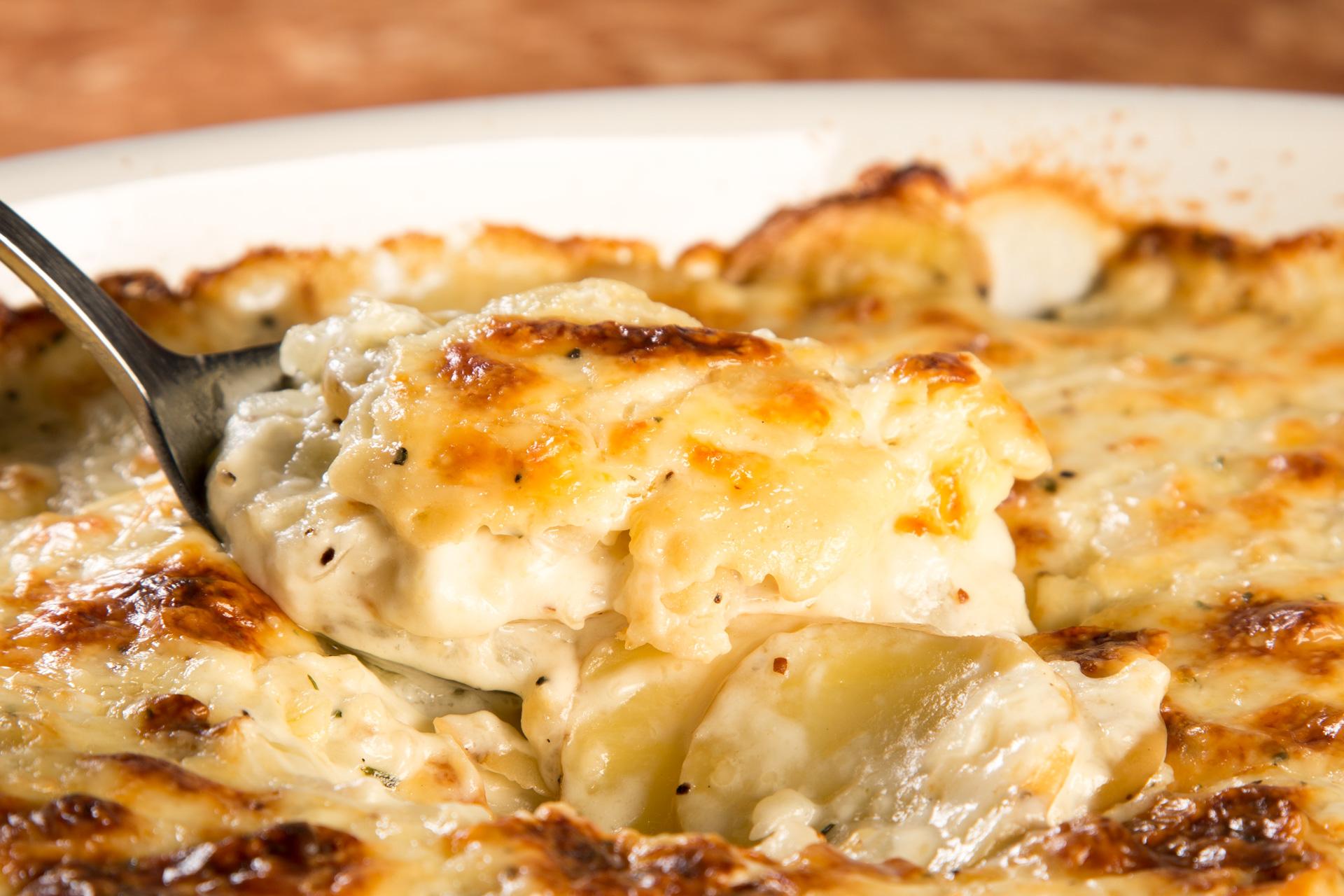 How to Make Classic Scalloped Potatoes