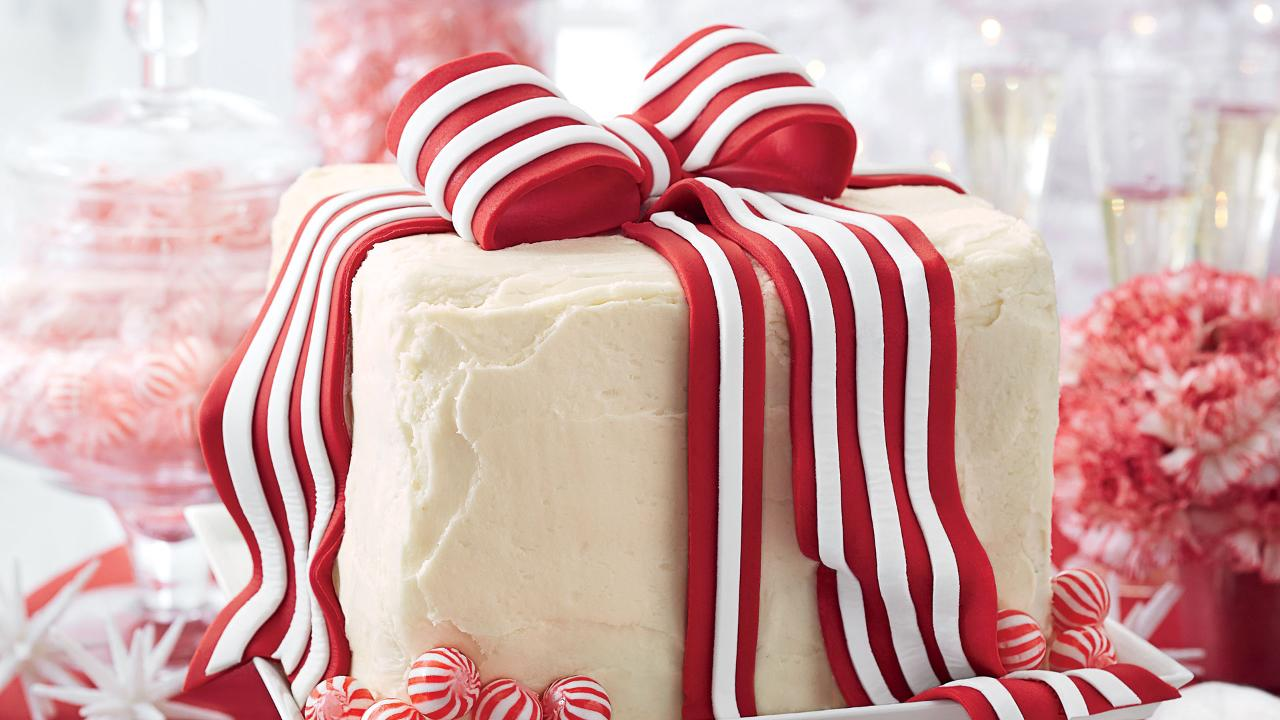 Make the Bow from Our December Cover Cake