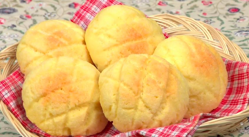 How to Make Melon Bread