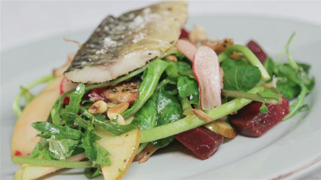 How to Make a Mackerel and Beetroot Salad With Maple Vinaigrette