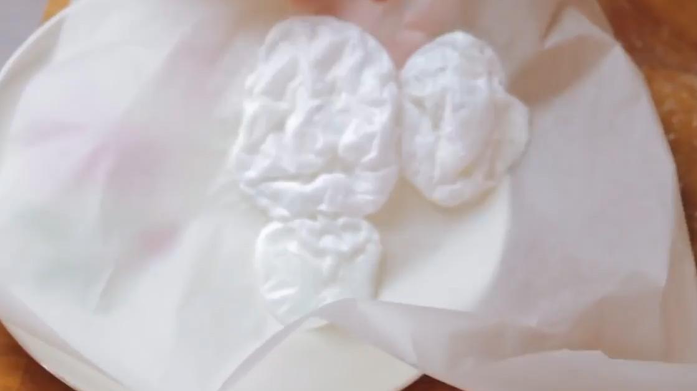 How To Make Meringues In 40 Seconds - Crumbs