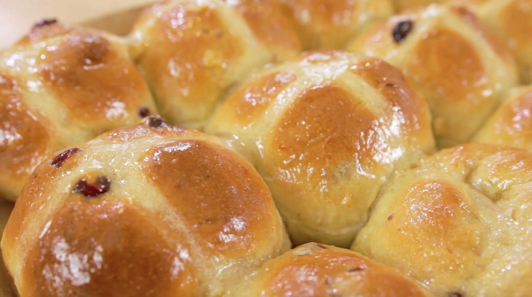 How to Make Easter Hot Cross Buns