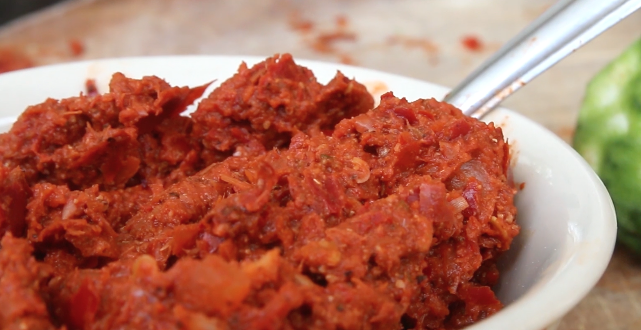 How to Make an Authentic Thai Red Curry Paste