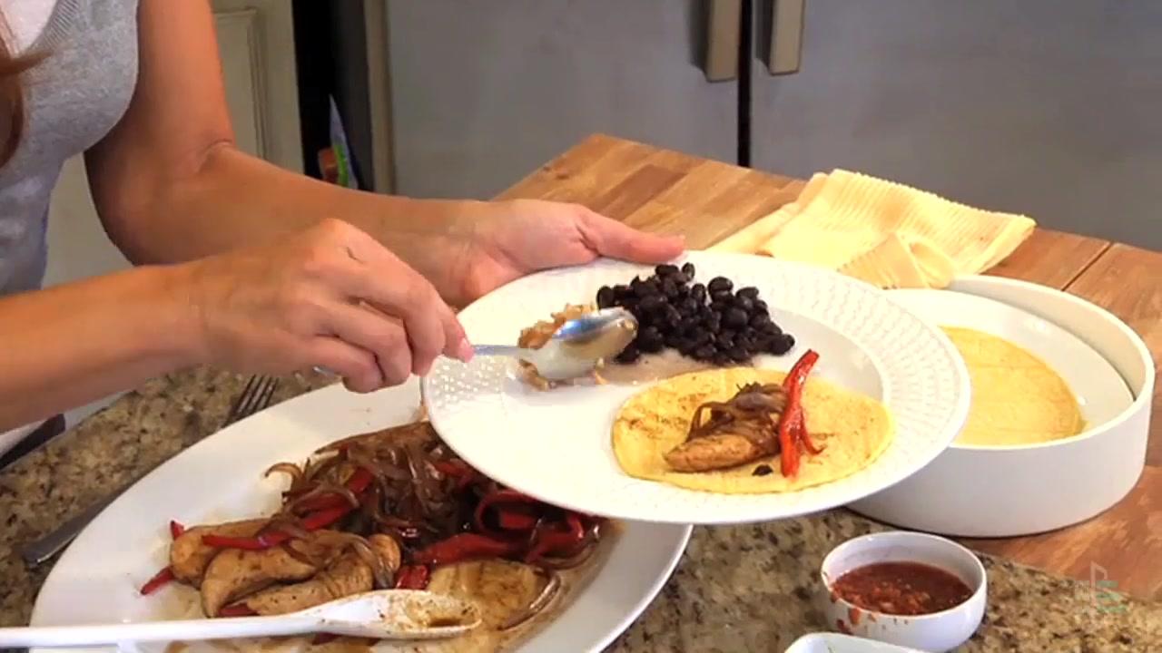 How to Make Healthy Chicken Fajitas
