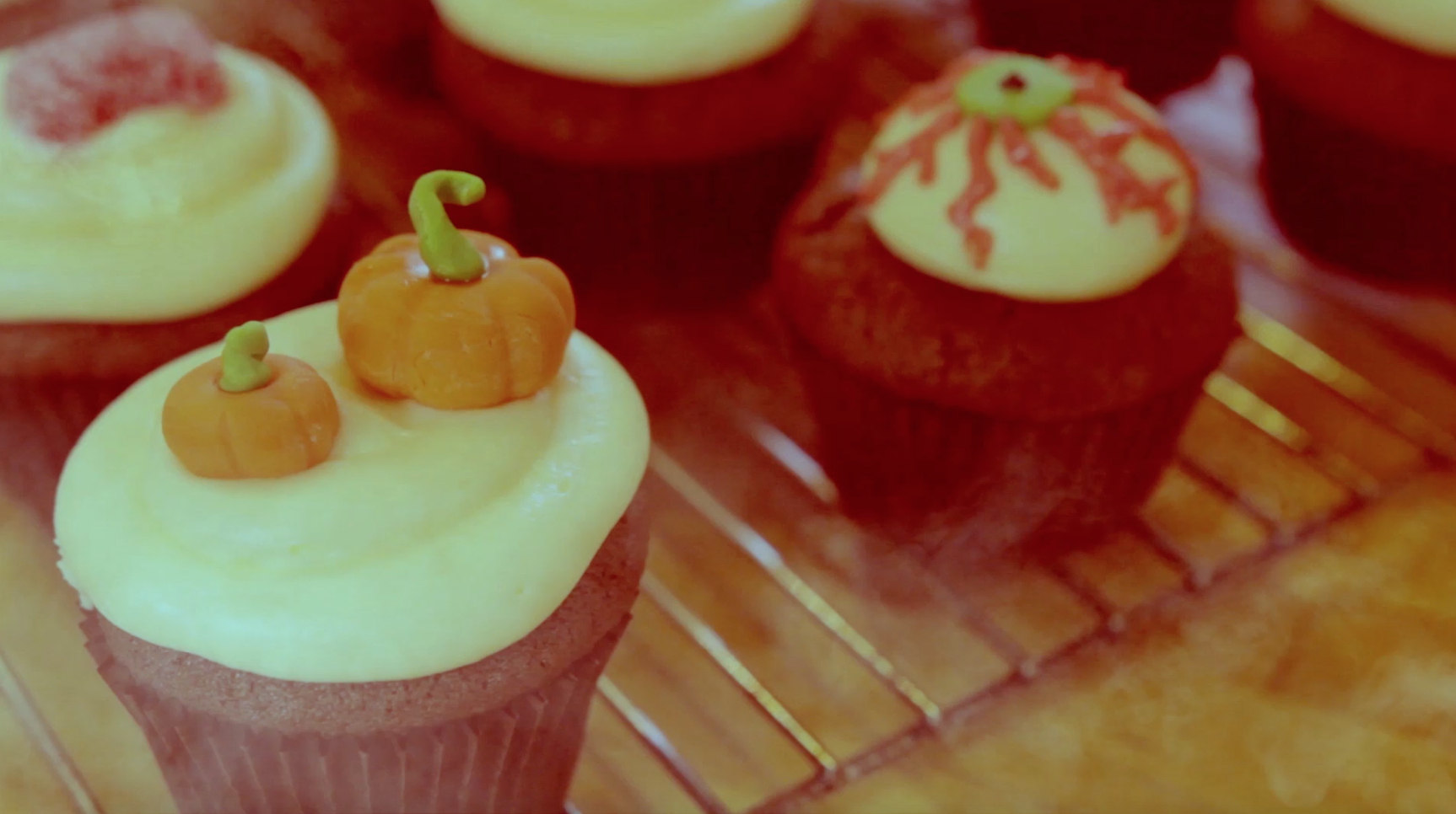 How to Make Halloween Themed Cupcakes