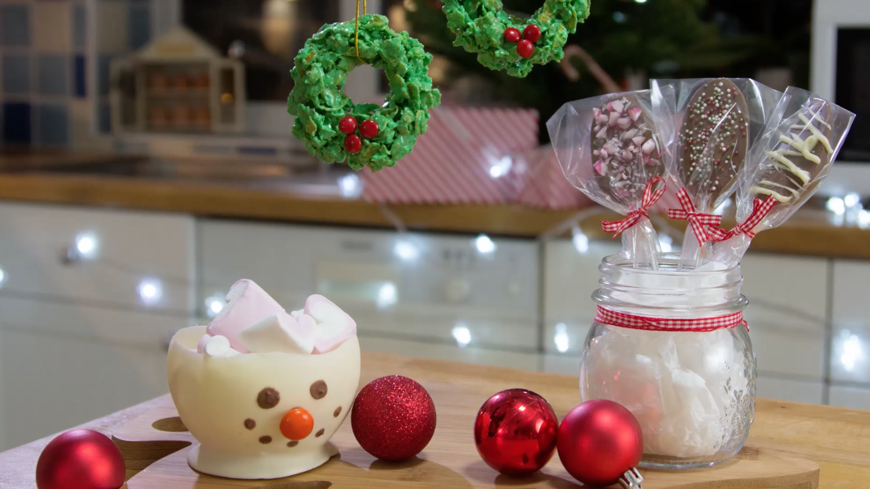 Christmas Gift Ideas: Cornflake Wreath, Snowman Bowl & Chocolate Spoons