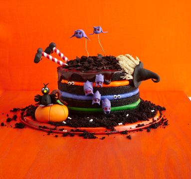 13 Creepy, Creative Halloween Cake Ideas