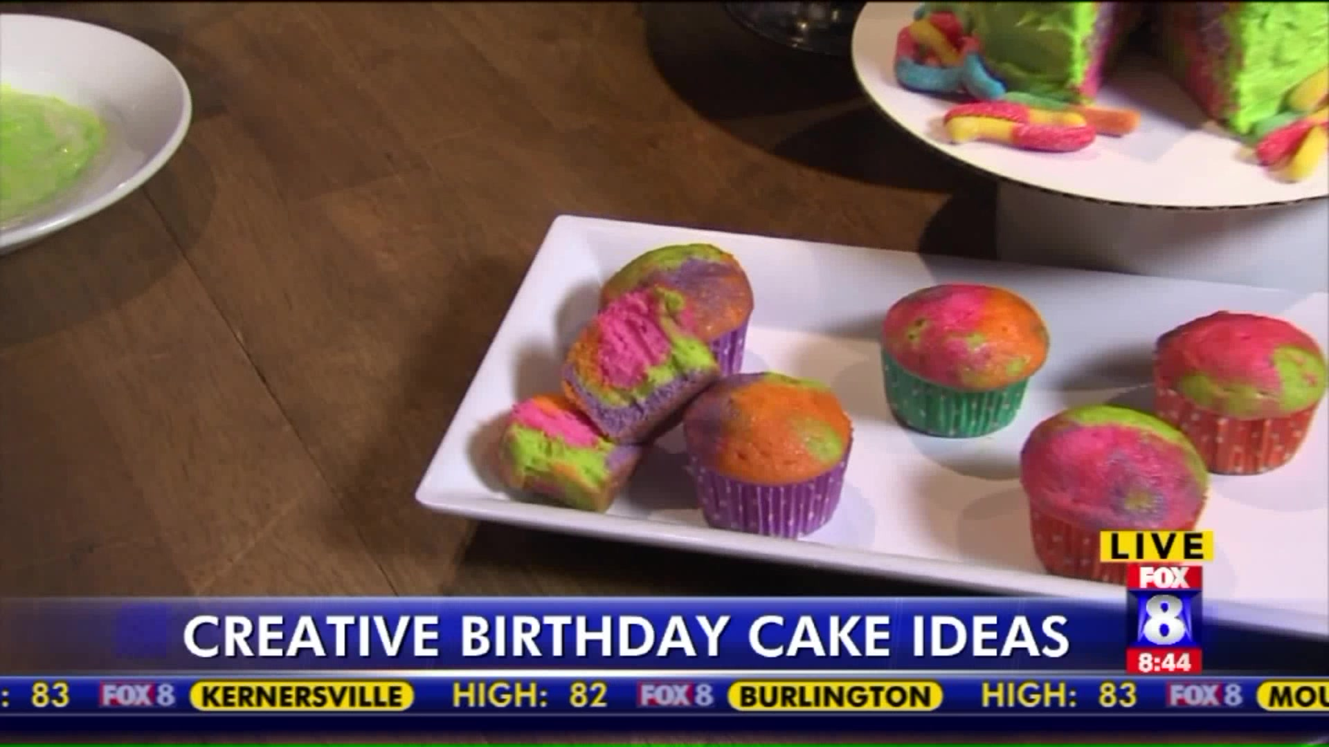 How to Make a Tie-Dye Cupcakes