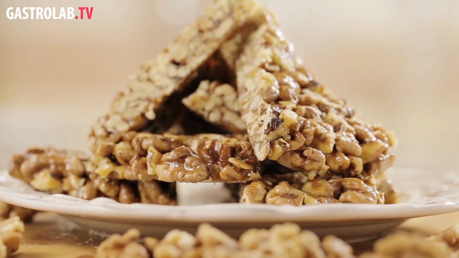 How to Make Gozinaki - Nuts Cooked with Honey
