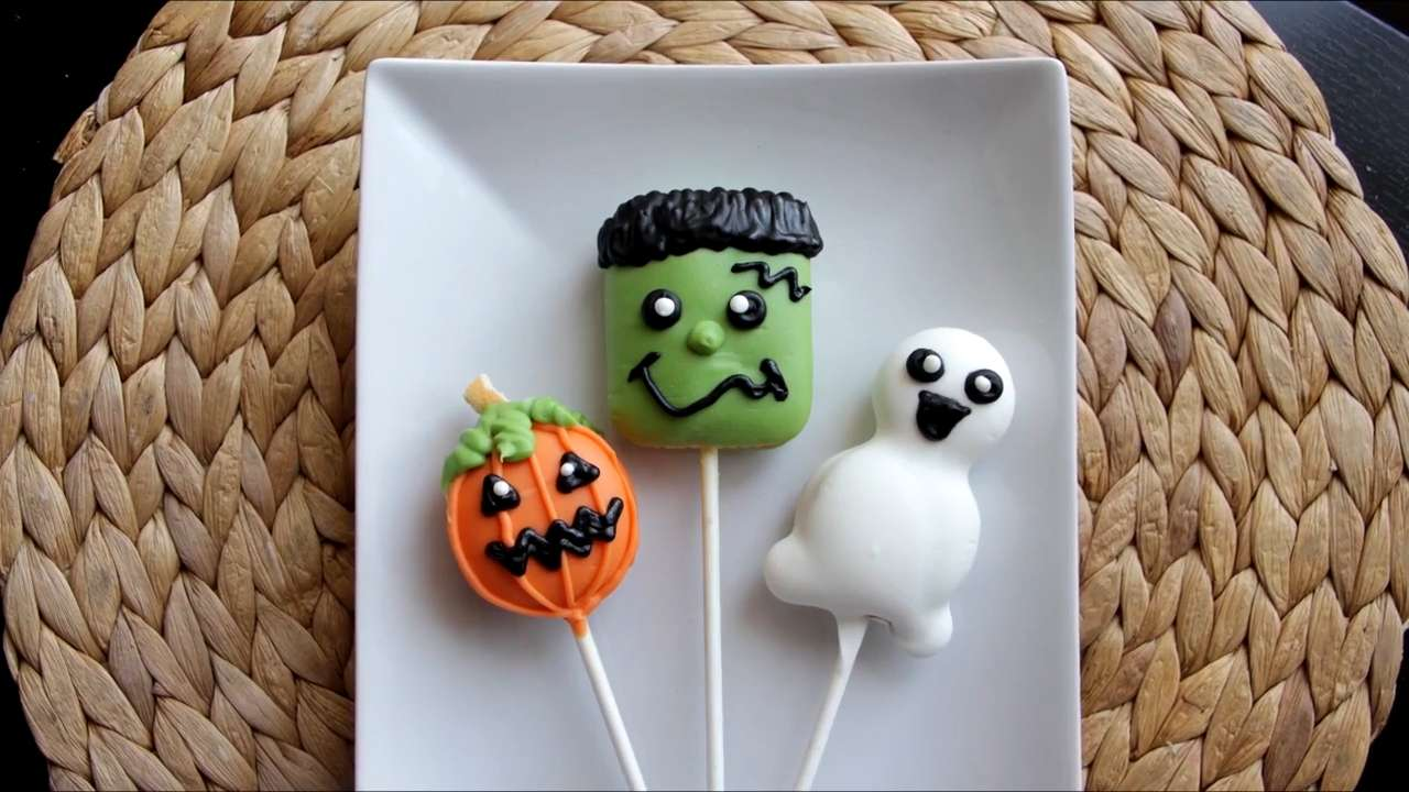 How to Make Halloween Cookie Pops
