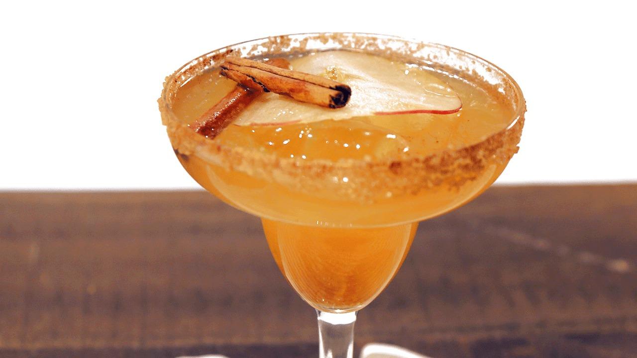 'The Chew': Apple Cider Margarita Recipe by Clinton Kelly