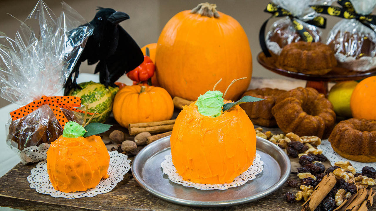 Pumpkin Shaped Pumpkin Bread Recipe