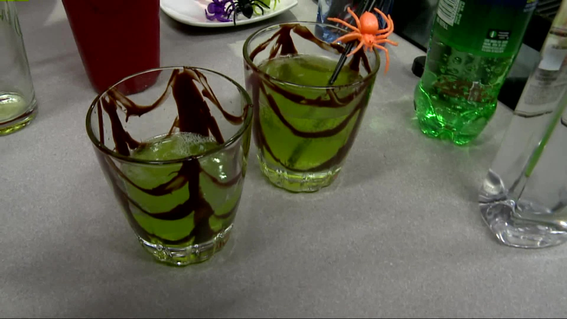 How To Make A Spider's Kiss Cocktail