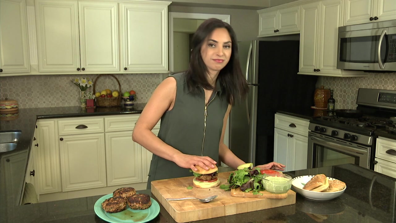 How to Make Mediterranean Style Turkey Burgers