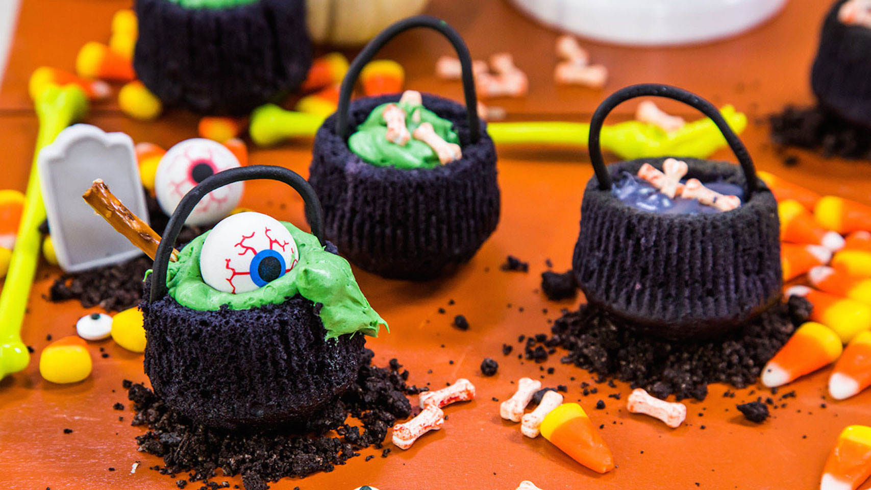 How to Make Cauldron Cupcakes