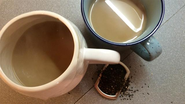 How to Make Christmas Chai Tea in 32 Seconds