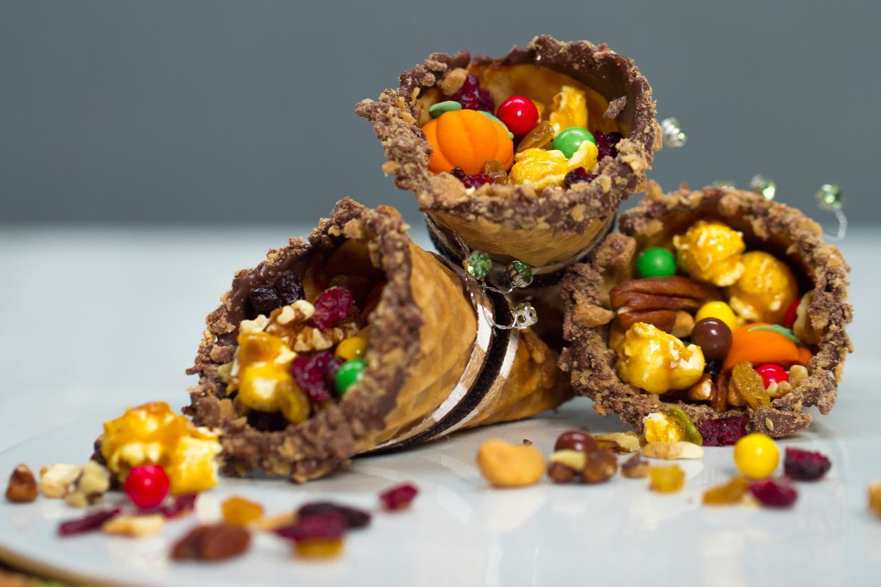 How to Make Waffle Cone Cornucopias for Thanksgiving