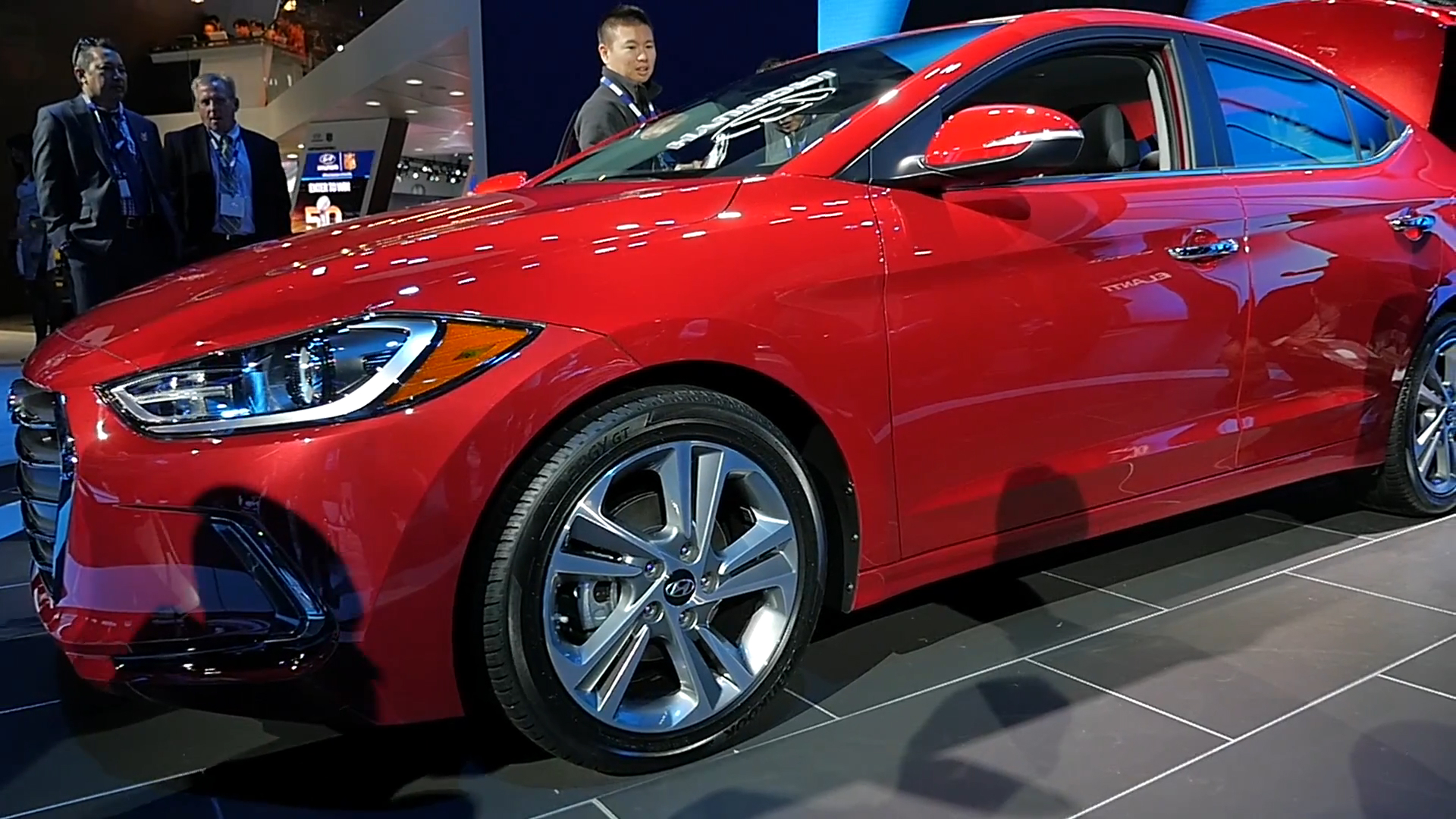 2017 Hyundai Elantra | LAAS 2015 | Beauty-Roll
