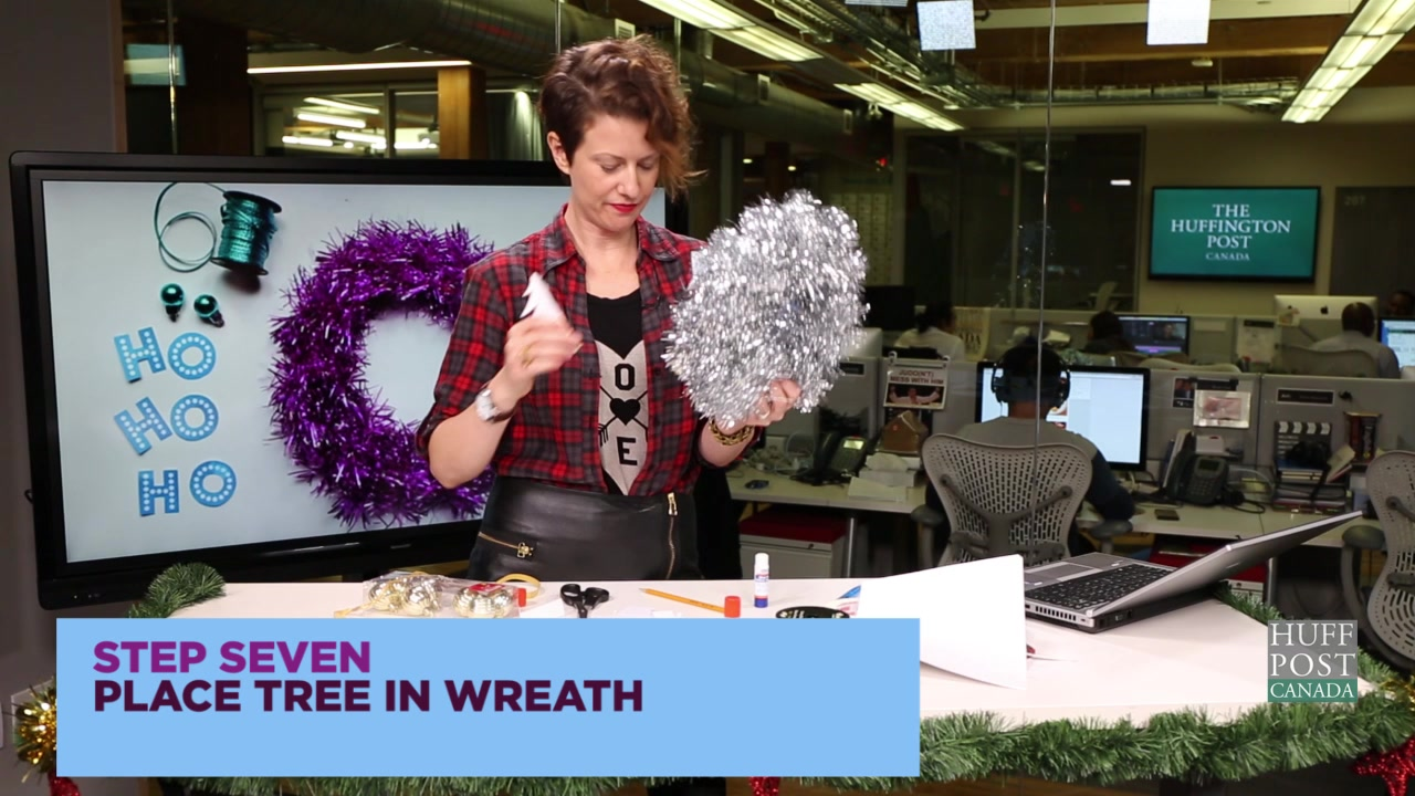 Uncrafty Ladies Try Their Hand At Holiday Crafts
