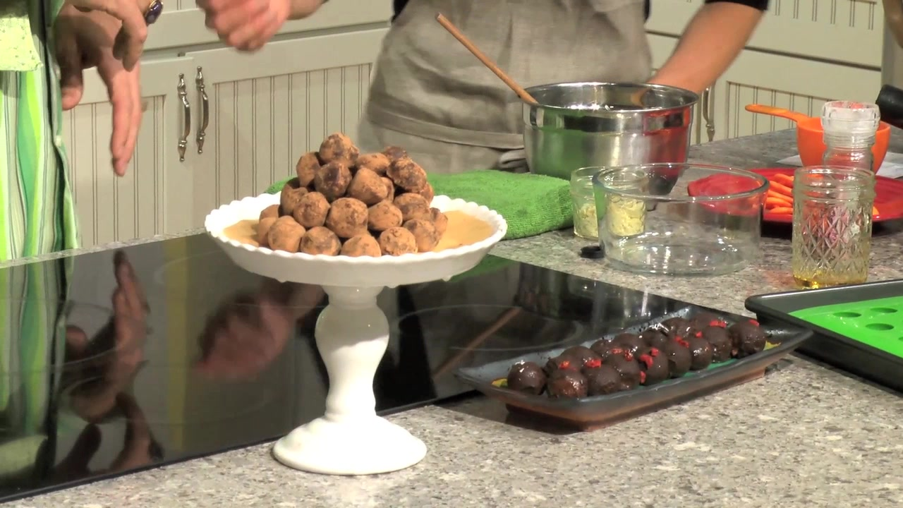 How to Make Raw Vegan Chocolate Truffles