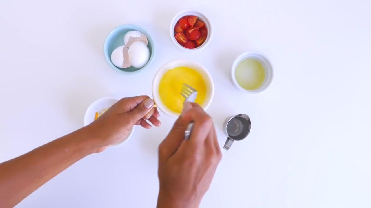 Make Scrambled Eggs in a Microwave