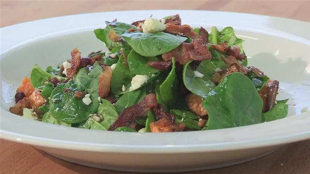 How to Make a Warm Spinach Salad