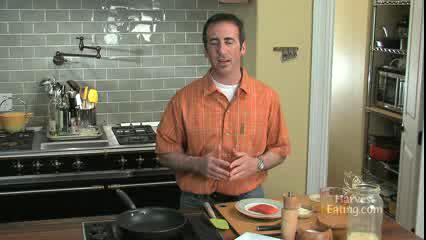 How to Make Eggs with Seared Salmon with Leeks