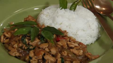 Thai Foodcast: Thai Basil Chicken