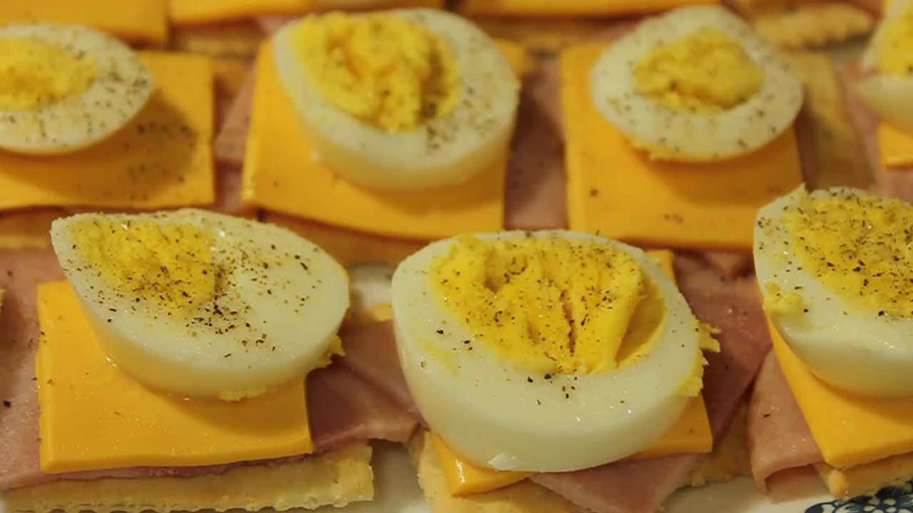 How to Make an Egg Snack