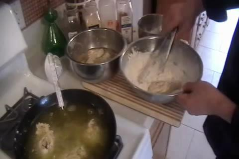 How to Make Southern Fried Chicken Legs Part 2/2