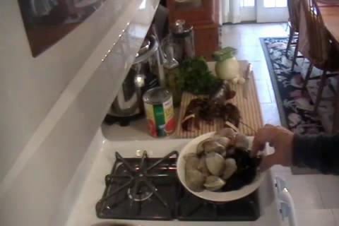 How to Make Lobster Fra Diavlo Part 1/2
