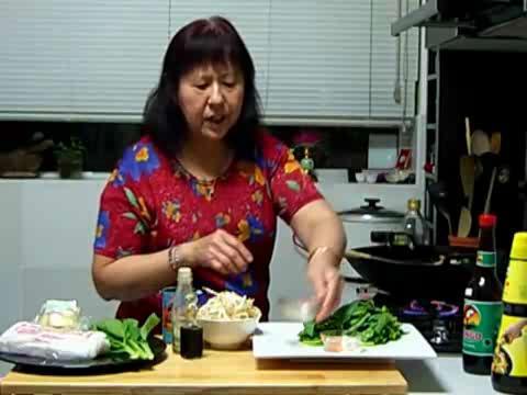 How to Make Vegetarian Fried Kuay Diu Part 2/2