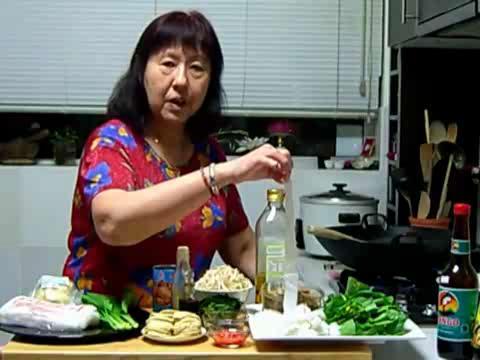How to Make Vegetarian Fried Kuay Diu Part 1/2