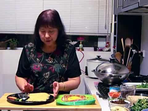 How to Make Vegetarian Kuay Diu Soup Part 1/2