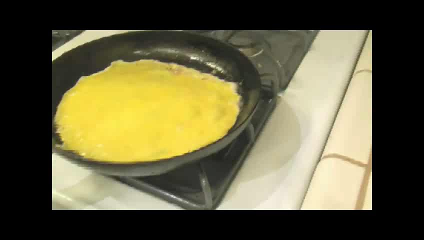 How to Make an Omelette with Fresh Eggs