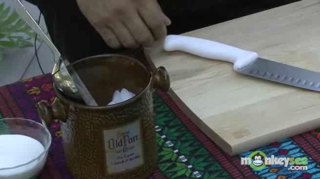 How to Prepare a Caipirinha
