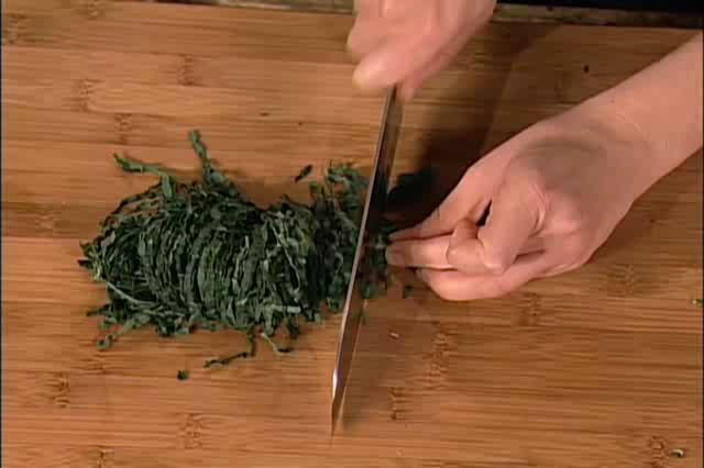 How to Make a Mediterranean Kale