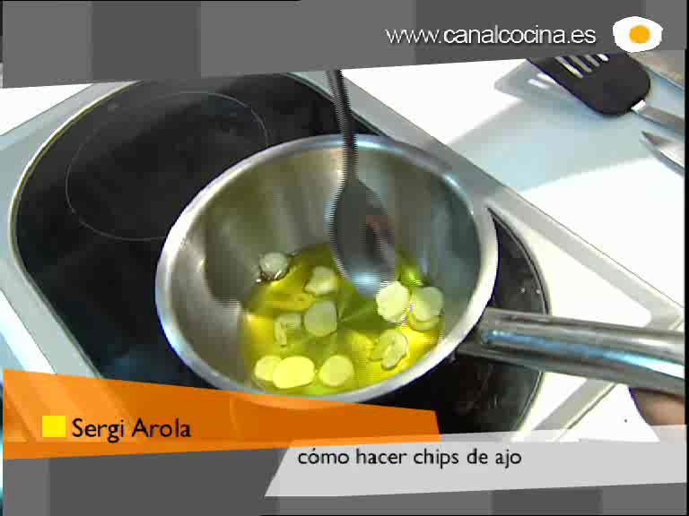 Cómo preparar chips de ajo