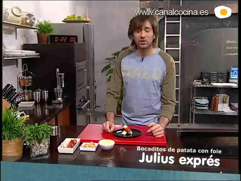 Cómo preparar un bocadito de patata con foie y jamón