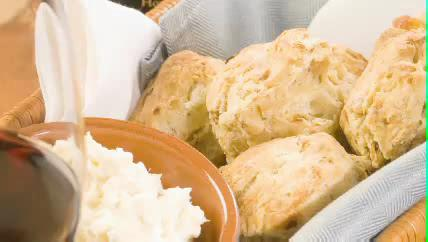 How to Make Walnut Biscuits with Blue Cheese Butter
