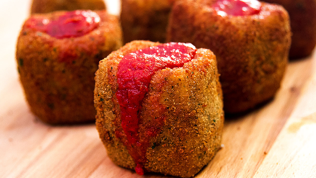 Deep Fried Mozzarella Marinara Shots, Bring the SNACK Super Bowl Sunday!