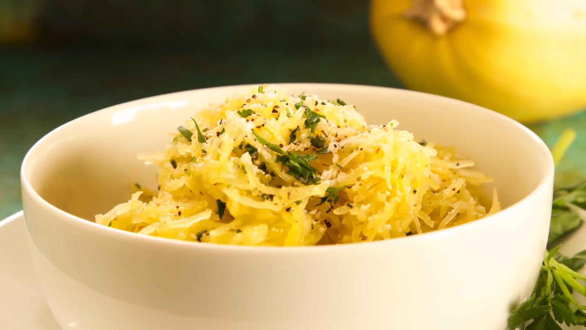 90 Second Garlic Herb Spaghetti Squash