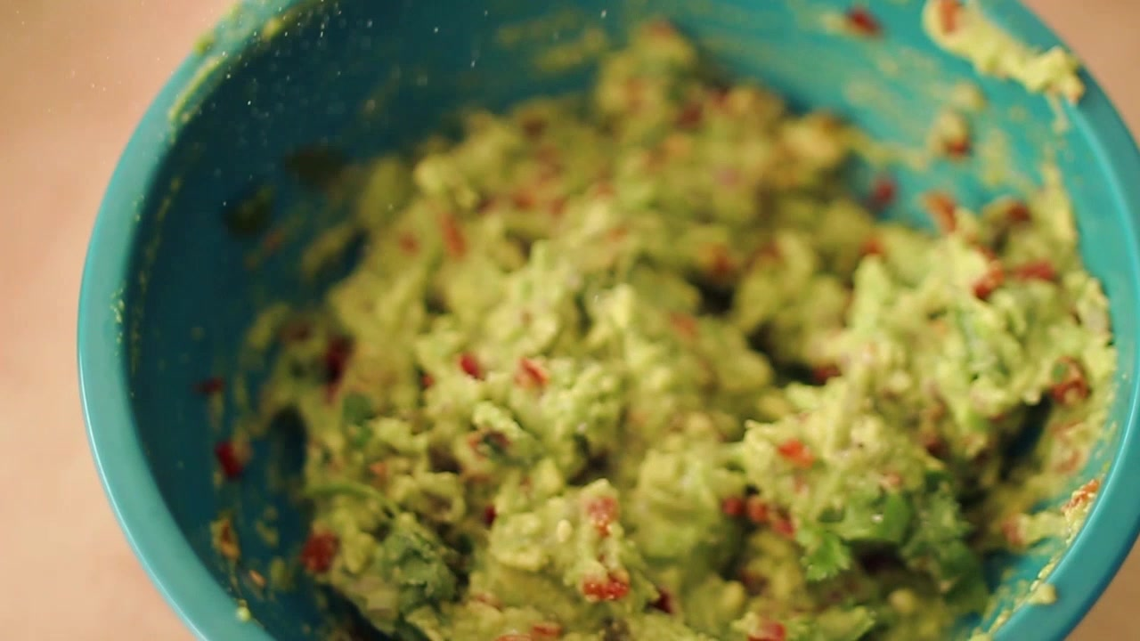 How to Make Guacamole Soft Tacos